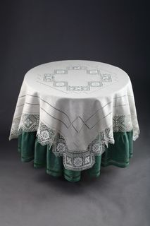 """Tablecloth with openwork embroidery """"Nizhny Novgorod guipure"""""""