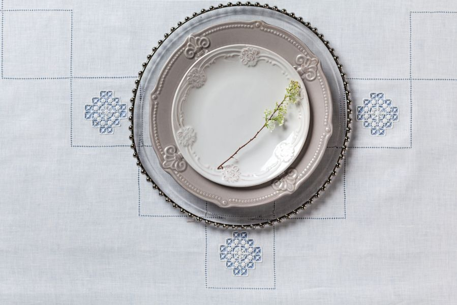 Tablecloth with hand embroidery linen