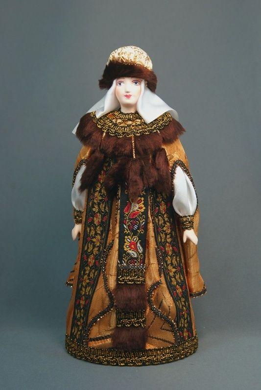 Doll gift porcelain. Princess in festive attire. 15-16 V. Rus.