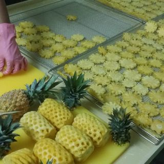 DRIED PINEAPPLE 100% NATURAL ORGANIC (EXPORTER VIETNAM)