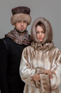 The hood Pavlo-Posad shawl with marten