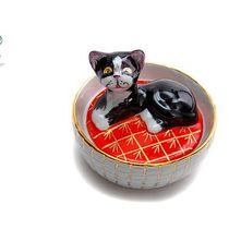 """Sculpture box """"Kitten in a basket"""""""