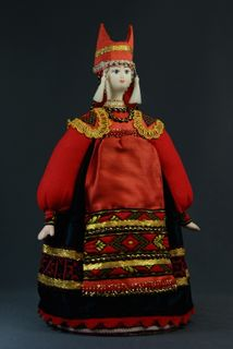 Doll gift porcelain. Woman in Russian costume, the horned Kichko. 18-19 century. Russia.