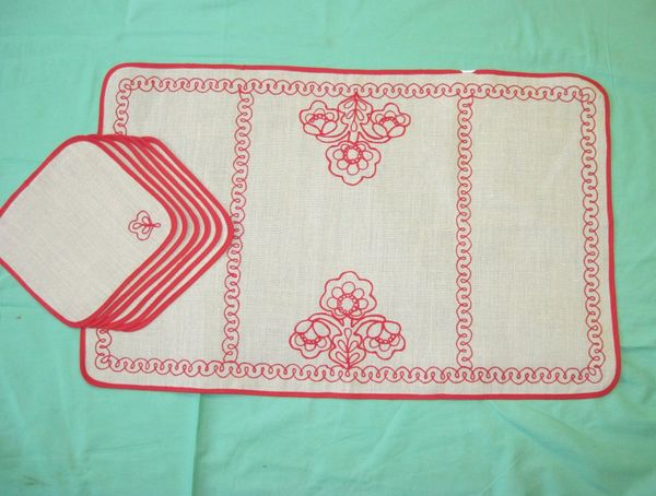 A set of napkins Karelian patterns 68х44,20x20 cm