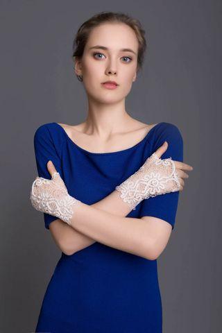 Lace fingerless gloves Fleur white