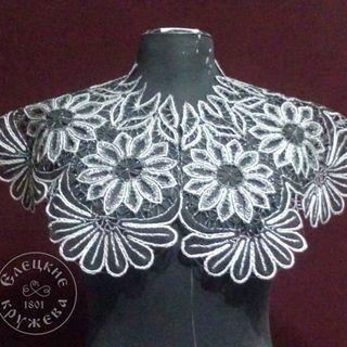 Drape womens lace black-and-white