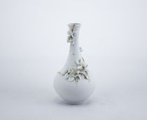 Vase. White and gold series