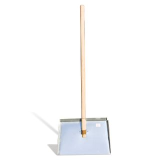 Snow shovel, galvanized steel, 46x30 cm, height 130 cm, wooden handle
