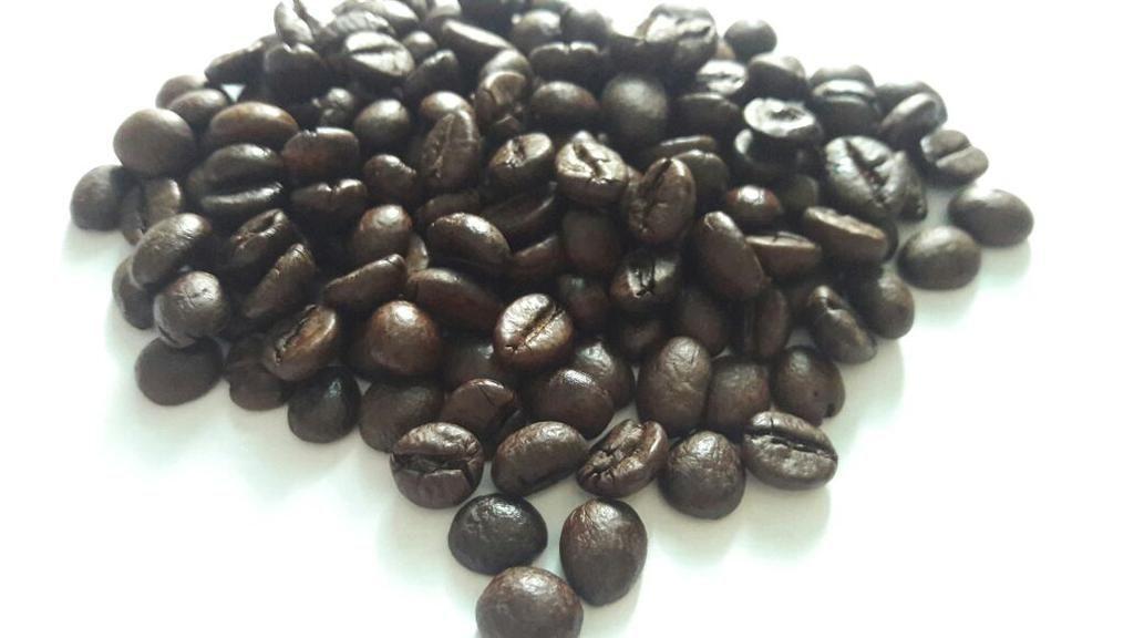 Premium coffee Robusta (roasted beans)