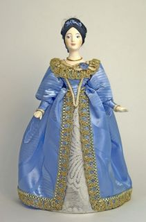 Doll gift porcelain. Lady in court dress. начало18 century Europe.