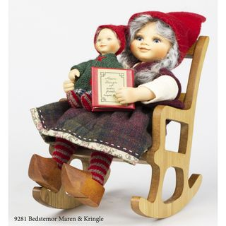 Birgitte Frigast / Granmother Maren & Kringle porcelain dolls, 28 cm