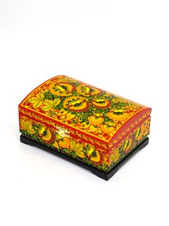 """The box """"Traditional Hohloma painting"""" is wooden 200х140"""