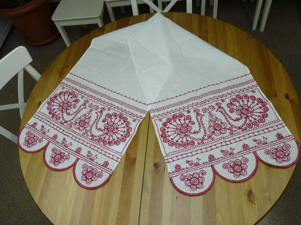 "A towel of white linen ""Birds of happiness"" Karelian patterns, 220х50 cm"