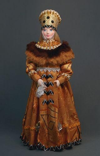 Doll gift porcelain. Novgorod boyar in festive attire. 16th-17th centuries Russia.