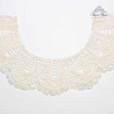 Lace collar 71