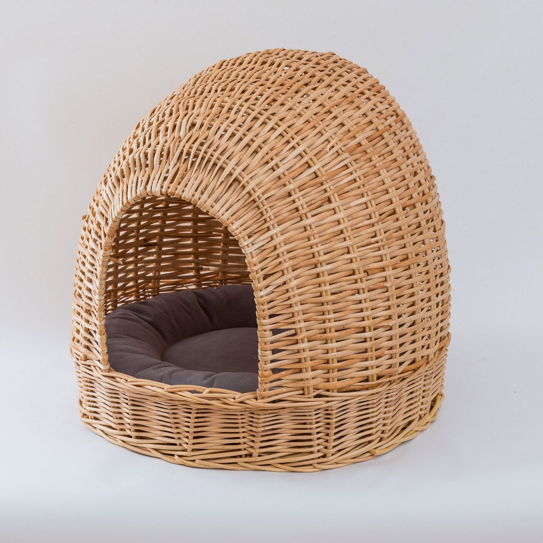 Braided house for pets