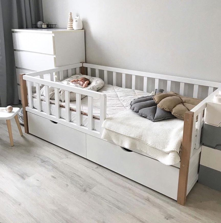 Dreams Store / Basic bed beech with natural uprights