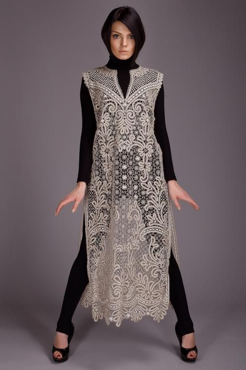 Women's tunic with floral pattern