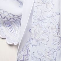 Tippet's 'Dreams' in white with silk embroidery