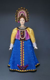 Doll gift porcelain. Maiden traditional costume. 18-19 centuries Russia.