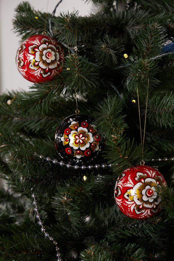 Christmas toy 'Ball', Khokhloma painting