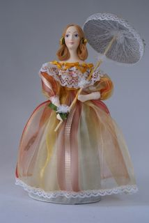 Doll gift porcelain. A young lady in a summer dress with a parasol. 19th century - Saint Petersburg