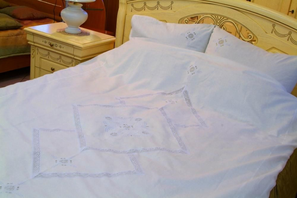 Set of bed linen with cutwork