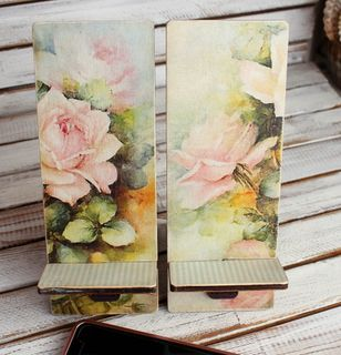 Roses Wood Mobile Phone Stand