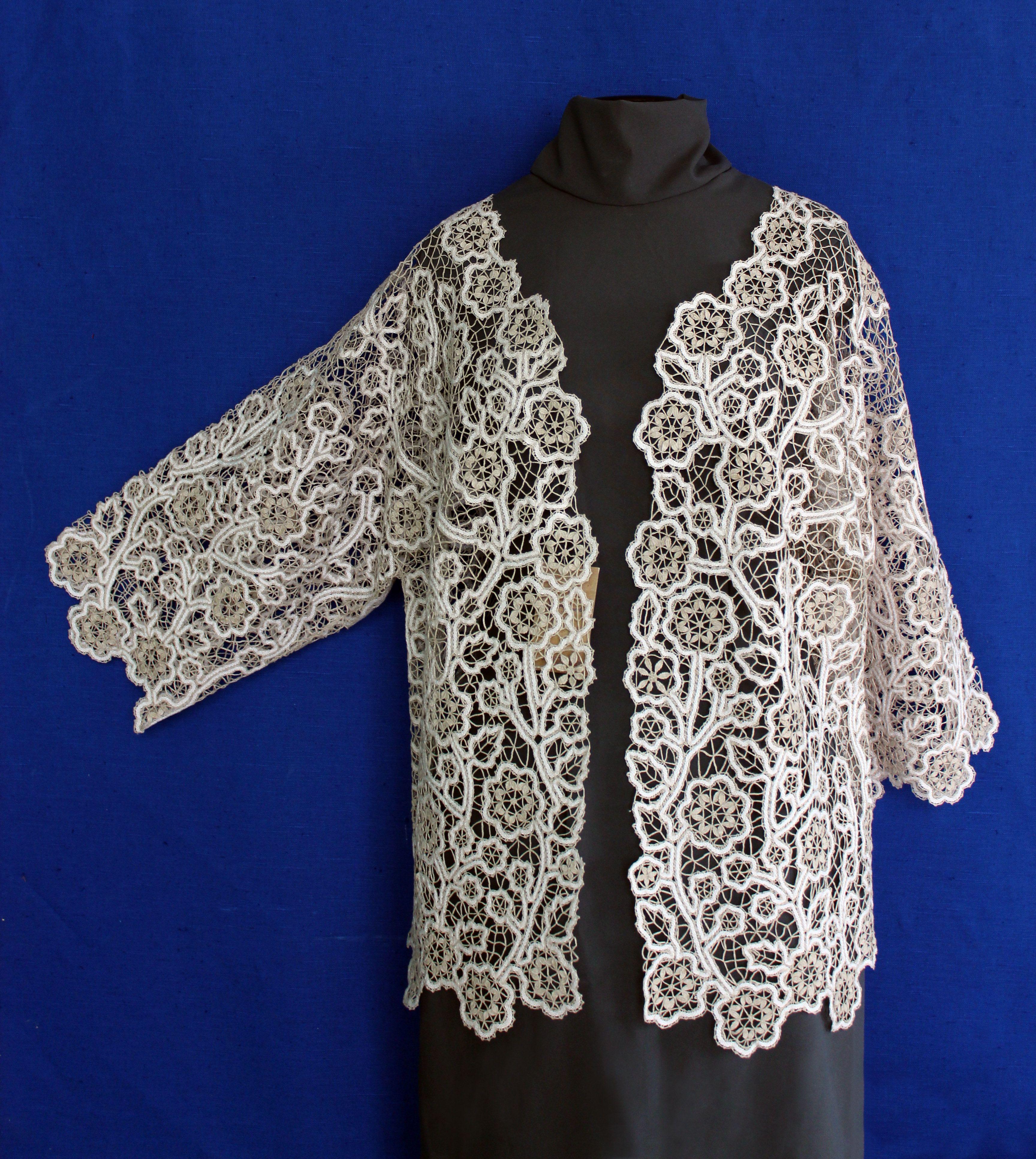 Jacket lace