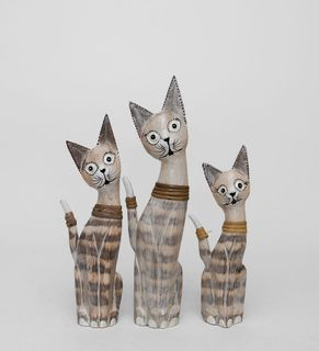 """A set of statuettes """"Cat"""" tree"""