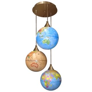 """Chandelier """"Classic"""" in the form of globes"""