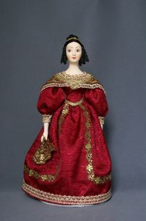 Doll gift porcelain. Lady in gown with fan. 1830 St Petersburg.