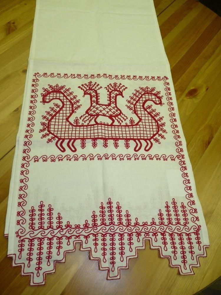 "A towel of white linen ""Rook"" Karelian patterns"