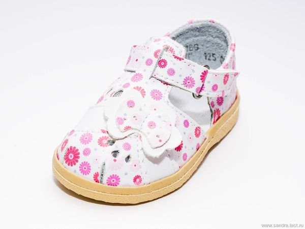 Children's sandals for the girl 0-85
