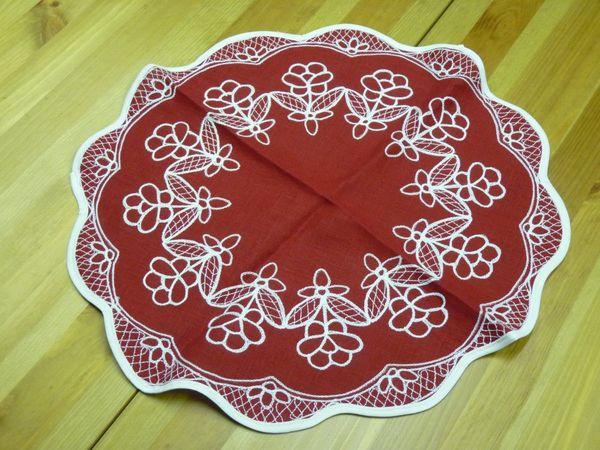 Napkin red Karelian patterns diameter 45 cm