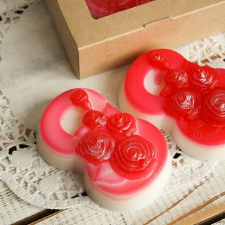 Olive gift soap March 8 roses 001