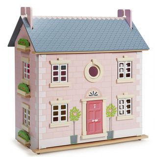 Wooden doll house Laurel