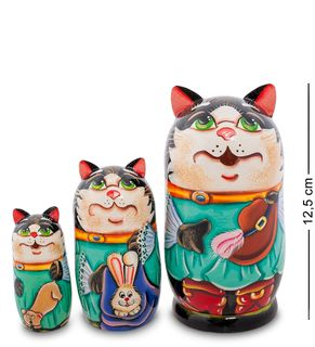 """Nesting doll """"puss in boots"""" Suite 3 dolls"""