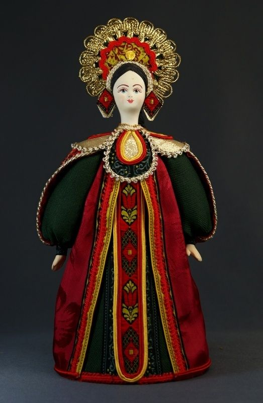 Doll gift porcelain. Center. Russia. Russian costume. 18-19 century.