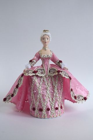 Doll gift. Princess. 18th century.