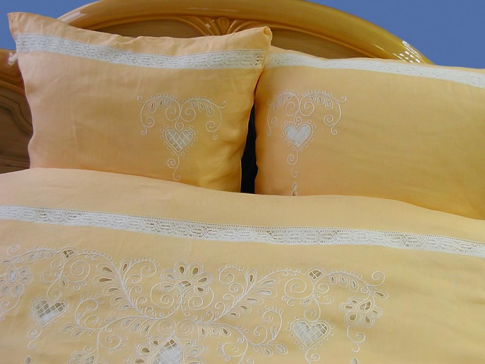 Bed linen yellow
