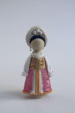 Doll gift. Maiden costume. 19th century. Arkhangelsk