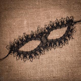 Yelets lace / Black mask