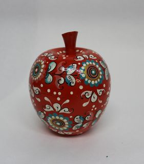 """The box is wooden """"Apple"""" Shenkurskiy red painted 10cm"""