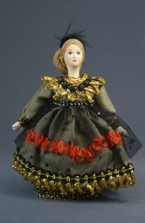 Souvenir doll-box - Lady in a masquerade suit of the mid-19th century