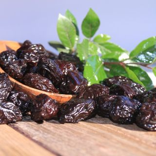 Prunes unpitted