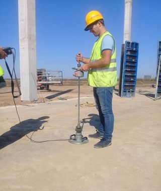 Determination of the coefficient of consolidation of soil, gravel