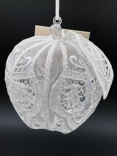 The new year's ball for the Bullseye lace on net with hand embroidery, d=10 cm