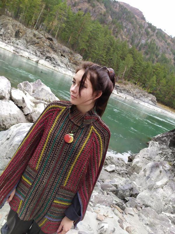 Woolen sweatshirt, handmade