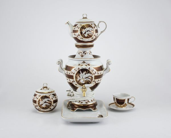 Delta-X / Porcelain electric samovar model 8 with tea pairs, serial